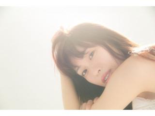 美容家・岡本静香さんのアンニュイな顔写真