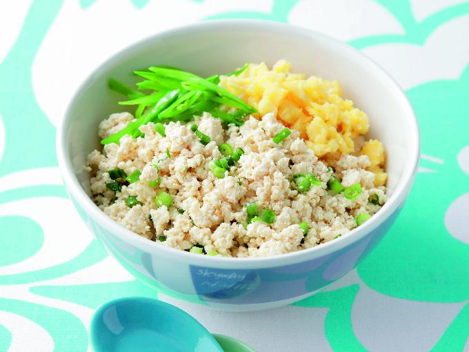 豆腐と卵の二色そぼろ丼