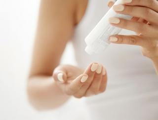 化粧水は「ハイスペ&マイルド」を揃えよう!透明感を生む化粧水の使い方