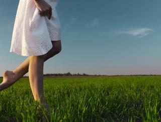 """ビシッと歩きに変えて""""13kgやせ""""したモデル・仁香さんのウォーキングレッスン"""