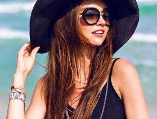 かぶるだけで小顔見せ♡スタイリストが教える夏の帽子の選び方&かぶり方