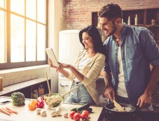 """食物繊維の量は豆腐の約100倍!? 健康長寿の秘訣""""長生きホルモン""""を増加させる「おからパウダー」"""