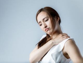 """不完全な""""モヤモヤ血管""""を撃退! 肩こりのツラい痛みを改善するセルフケア"""