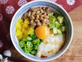 食感で楽しむ栄養満点丼ぶり「納豆オクラ長いものネバネバ丼」#明日の朝ごはん