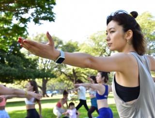生理周期や睡眠データも!健康管理に最適なスマートウォッチ「Fitbit Versa」を試してみた!