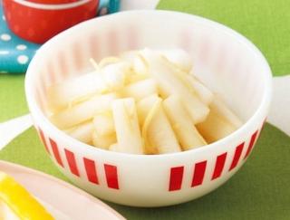 ポリ袋に入れてモミモミするだけでOK!大根を使った小鉢レシピ