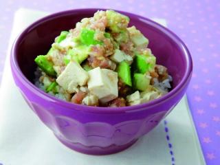 豆腐アボカド、ねぎとろのトリプル丼
