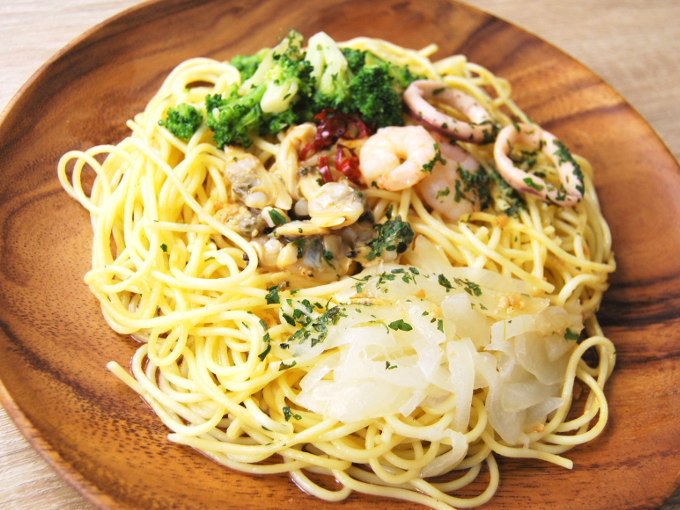 お皿に移した「海鮮ペペロンチーノ」のアップ画像