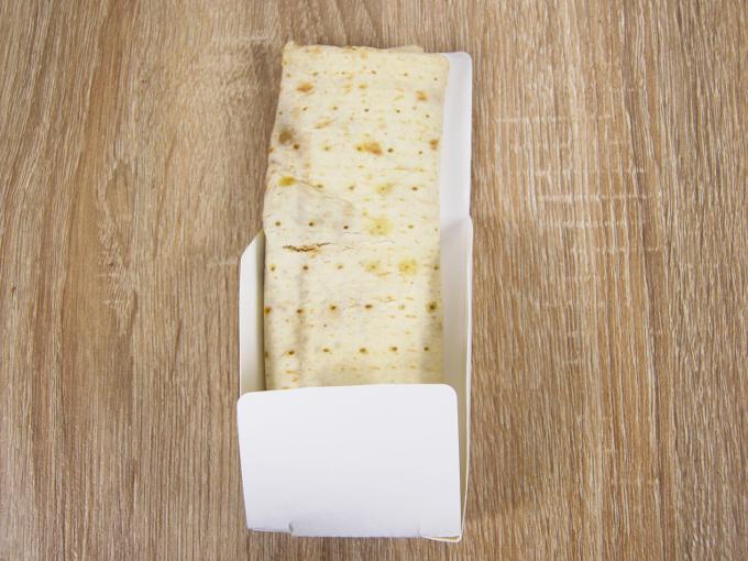 袋から取り出した「ブリトー 肉たっぷりタコスミート」の画像