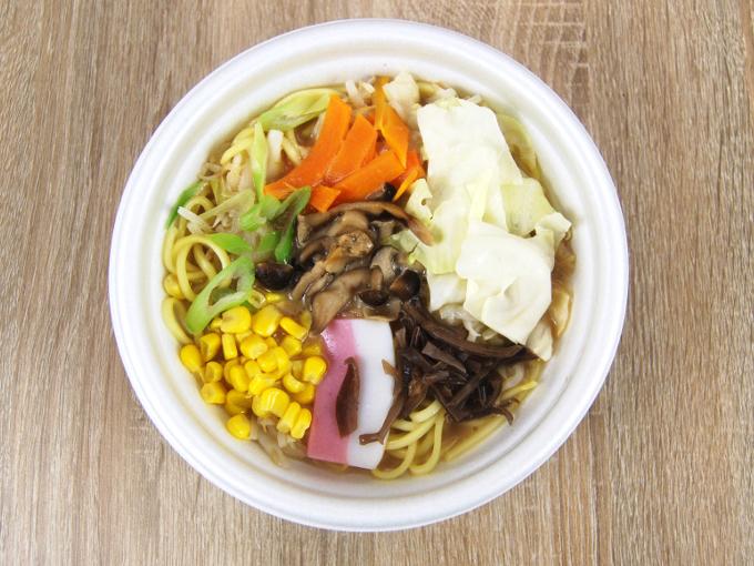 容器の蓋を外した「1食分の野菜ときのこのちゃんぽん」の画像
