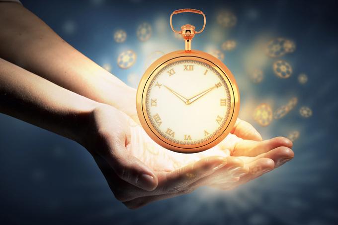 手の上に輝いた時計