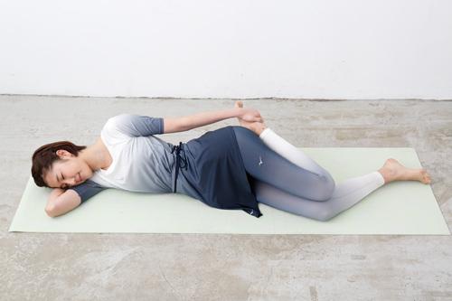 大きな筋肉をゆるめるストレッチの姿勢1