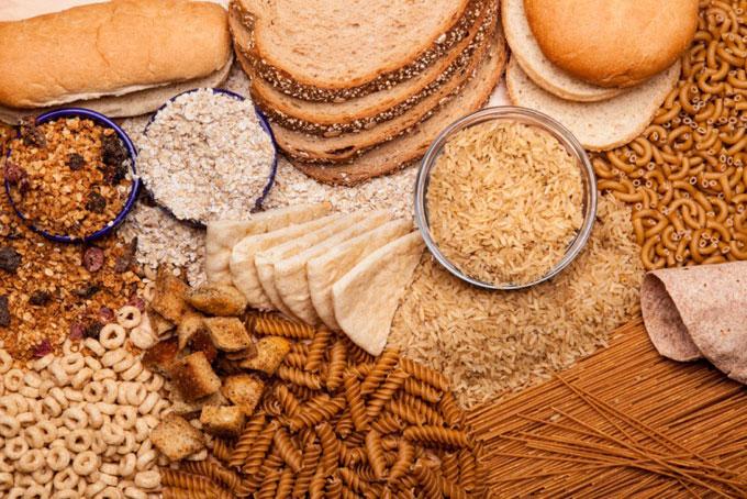 パスタやパンなどの穀類の集合