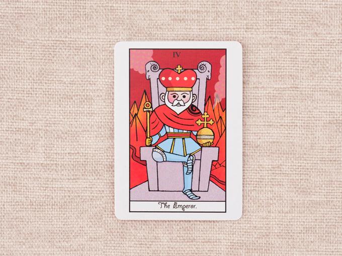 冠を被った男性の絵