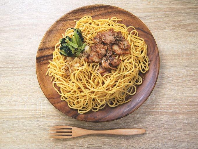 お皿に移した「大盛! チャーシューパスタ~焼豚和風醤油~」の画像