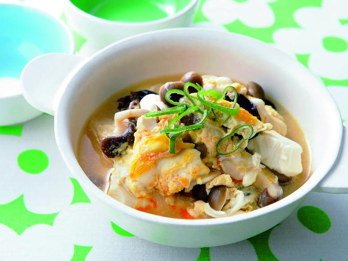 くずし豆腐ときのこの中華風卵とじ