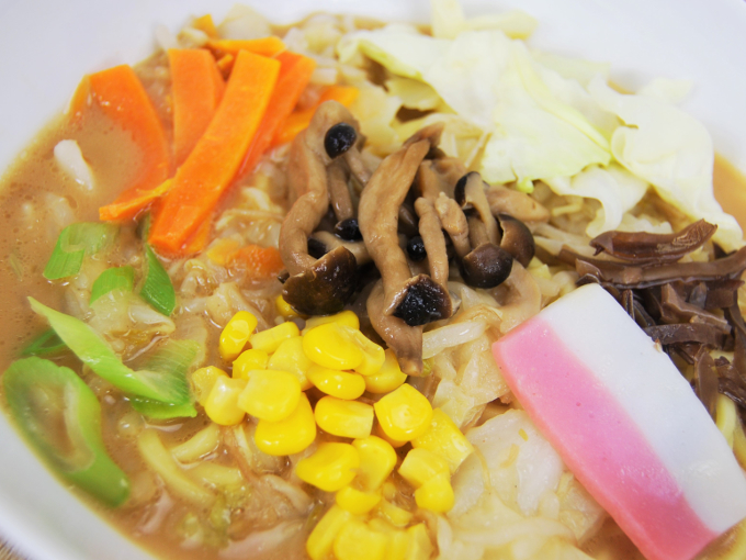 お皿に移した「1食分の野菜ときのこのちゃんぽん」のアップ画像