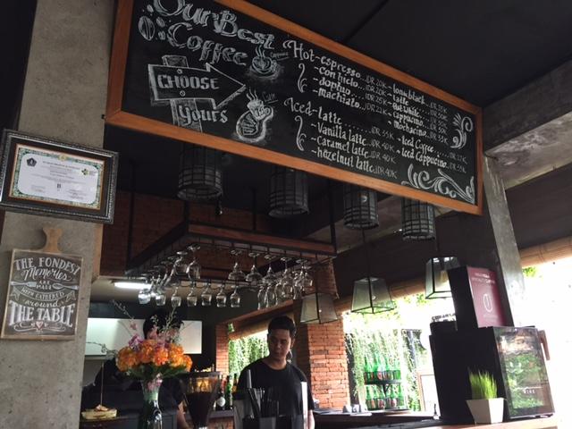『ロイヤルサマジャヴィラズ』のカフェ「KASAVA」