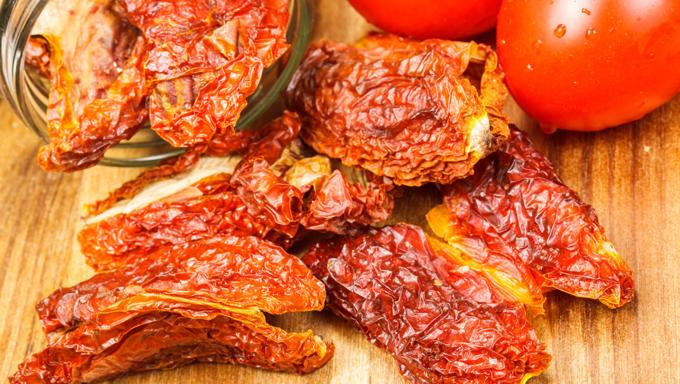 ドライトマトは、料理の幅が広がる保存食