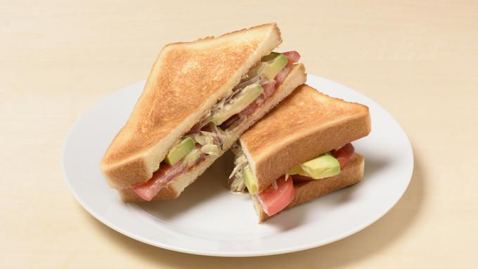 軽く焼いた食パンともよく合う