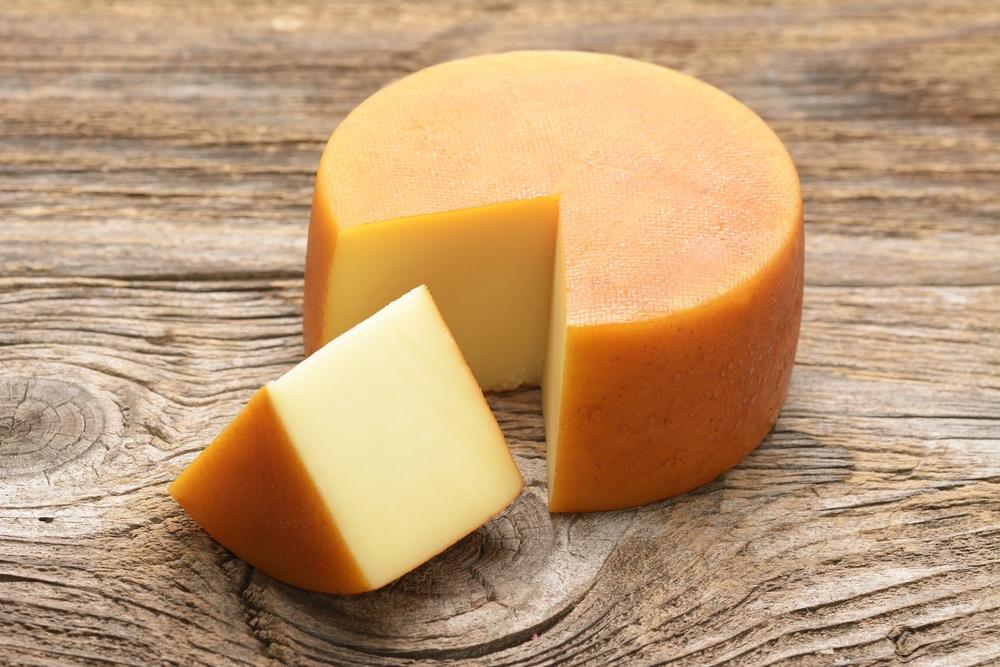 カットされたチーズ