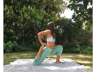 腰痛改善のポーズ