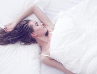 寝室は「ブラウン」、パジャマは「ピンク」!寝る前5分の呼吸法でやせ効果UP