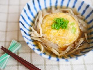 豆腐と長芋のしんじょうのできあがり、はしを添えて