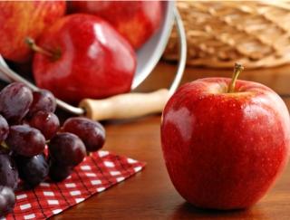秋が旬の「柿」はやせやすい体をつくる!?ダイエット中に食べたいフルーツは?
