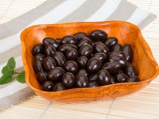 アーモンドとチョコレートの画像