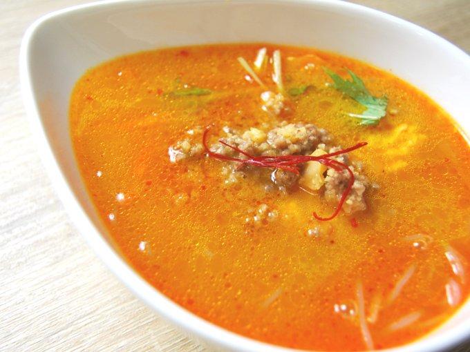 お皿に移した「麻辣スープ」のアップ画像