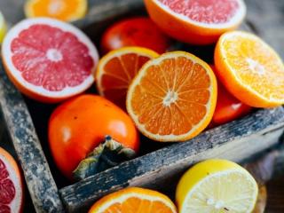 柿とオレンジとピンクグレープフルーツ