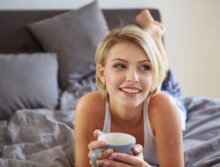 毎日飲んでるカフェラテが太るもと!? 代謝アップできる水分補給