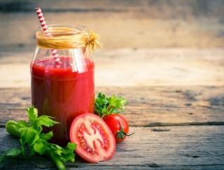 「トマトジュース」で脂肪燃焼! ダイエット効果を上げる4つのコツ!