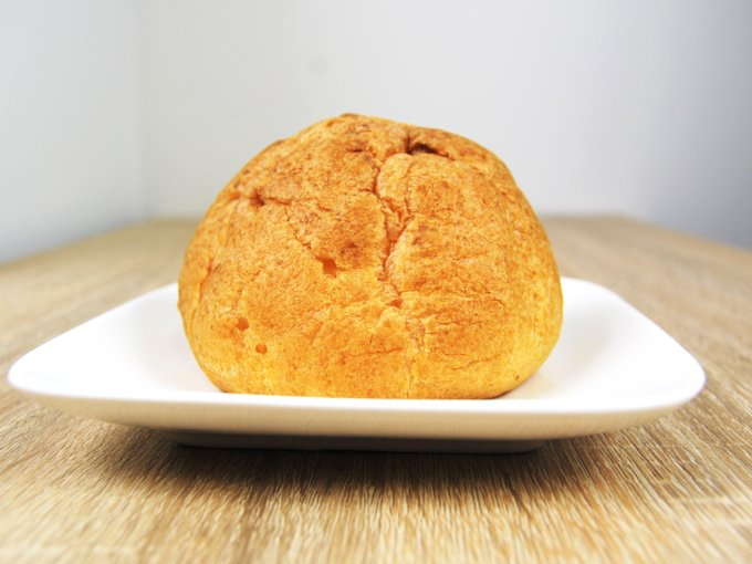 お皿に移した「レアチーズシュー」の画像