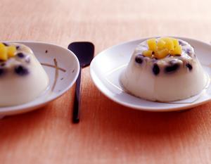 黒豆入り豆乳ブランマンジェの完成イメージ