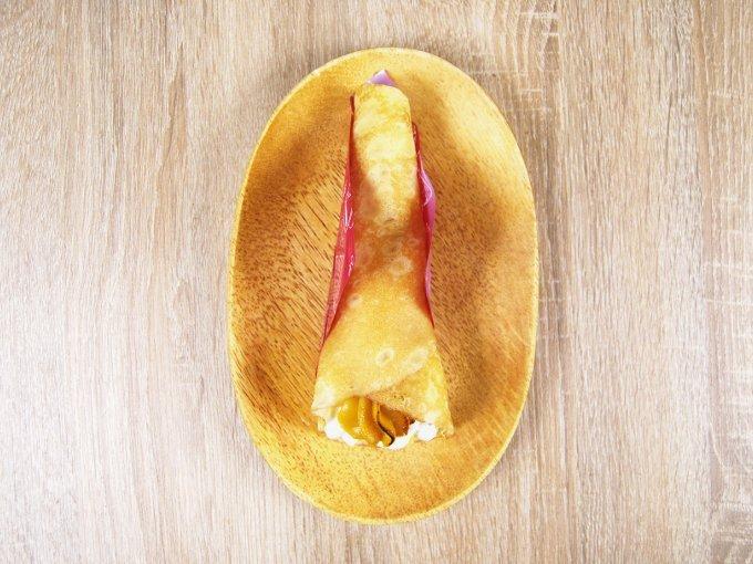 お皿に移した「安納芋のクレープ」の画像