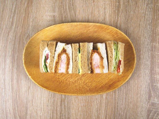 お皿に移した「海老カツと野菜BOX」の画像