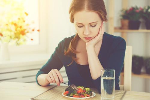 【カン違い4】体重を毎日計って増えていたら、すぐに食事を減らす!