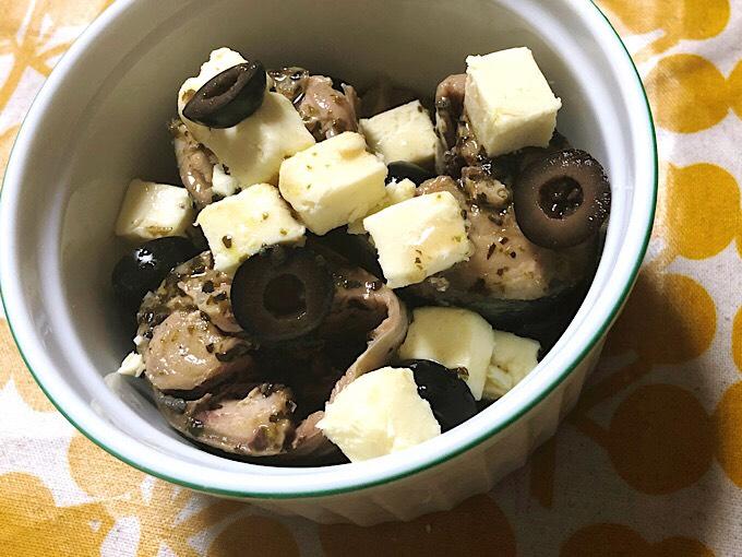 ビヨンド豆腐とサヴァ缶とブラックオリーブ