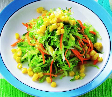 ヨーグルトドレッシングの野菜サラダ