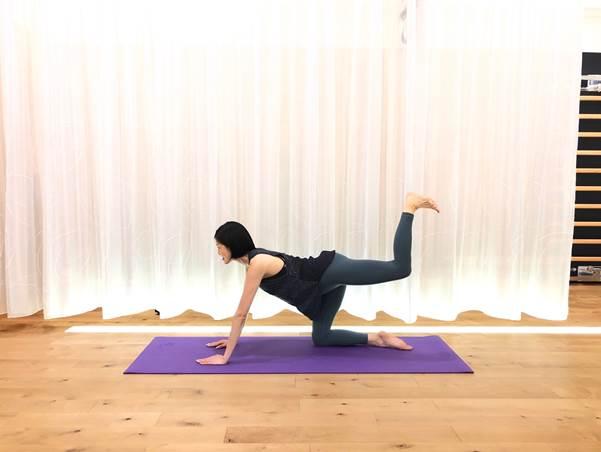 片足を上に上げる(image3-4)