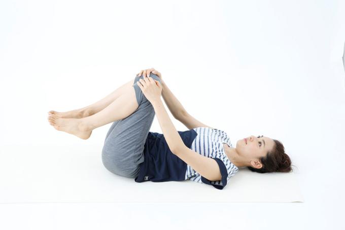 ひざ開脚の工程1