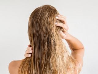 """大人女性に急増中の""""うねり""""どうしてる?美容師が教える """"髪のうねり""""対策法"""
