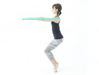 【花田美恵子さんが教える!】ひざ下のメリハリをつくるヨガのポーズ