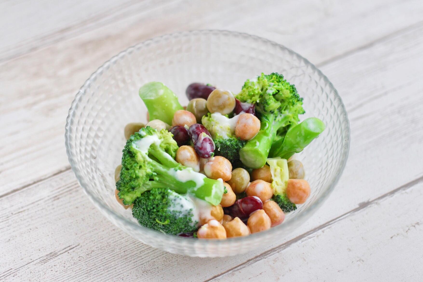 ヨーグルトとブロッコリーのサラダ