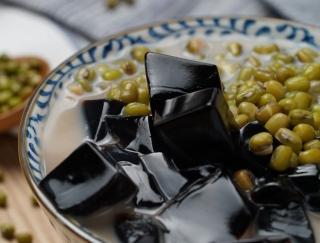 中国で最近いちばんよく食べたもの、それは熱冷ましの「緑豆」です