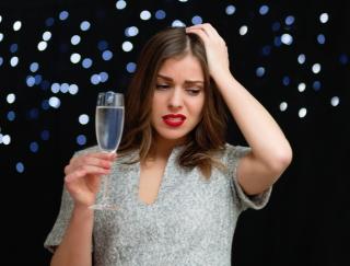平日の二日酔いを回避!アルコール分解にかかる時間がわかるアプリ厳選3選