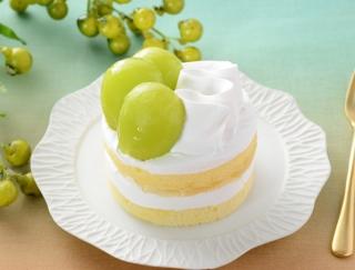 皮ごと食べられるブドウをトッピング!ローソンの新作「シャインマスカットのショートケーキ」