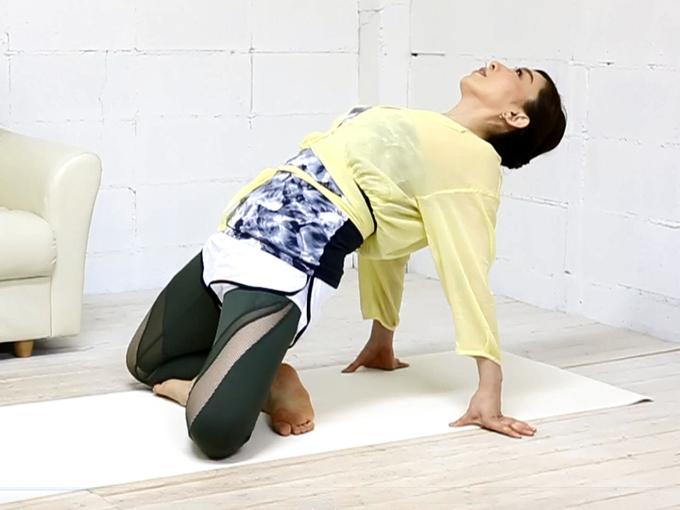 美尻ストレッチ中の和田清香さん
